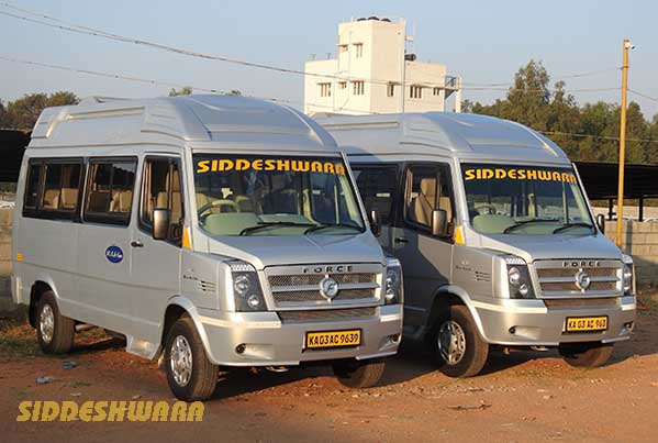 2 deluxe tempo traveller side